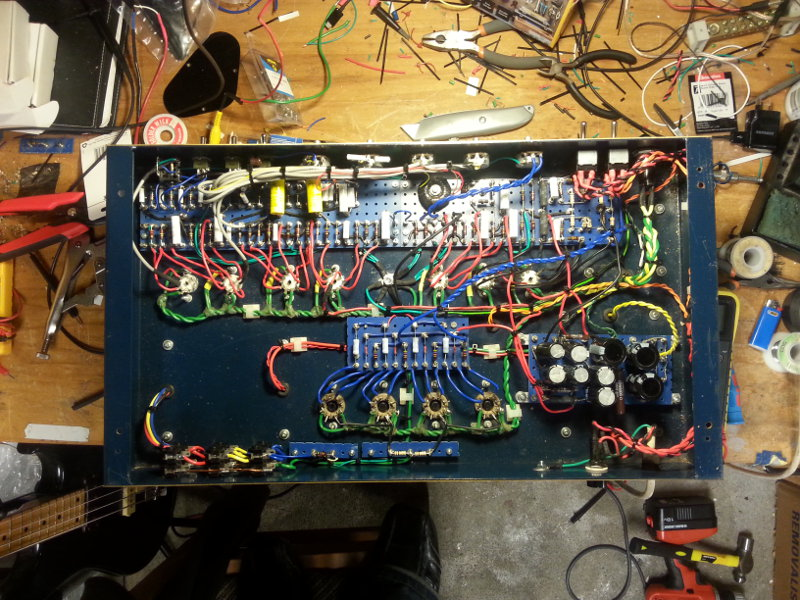 Click image for larger version.  Name:01-amp-guts.jpg Views:300 Size:162.9 KB ID:33836
