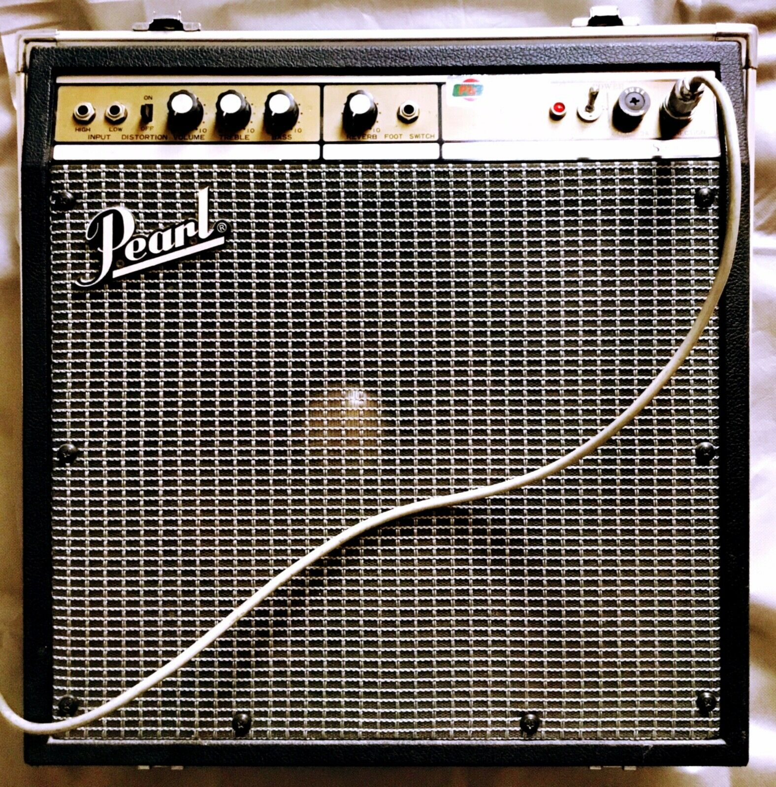 Click image for larger version.  Name:PEARL-Bass-Amp-SS-061.jpg Views:20 Size:606.1 KB ID:55922