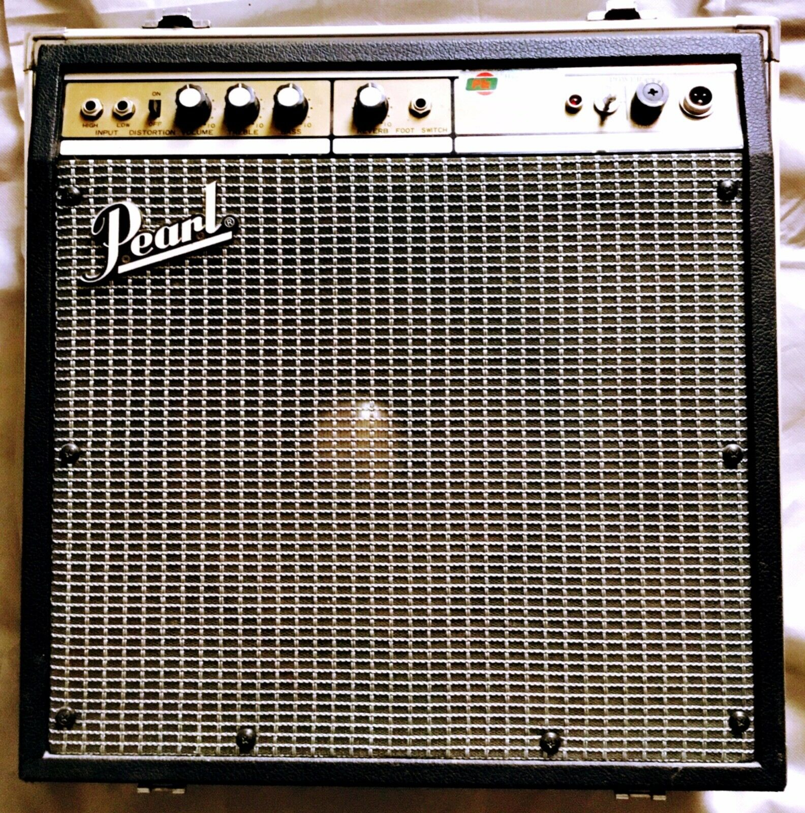 Click image for larger version.  Name:PEARL-Bass-Amp-SS-061-.jpg Views:23 Size:593.2 KB ID:55923